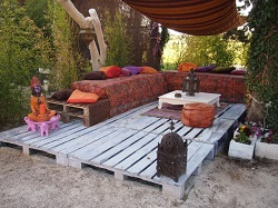 comment faire une terrasse en palette ecopros. Black Bedroom Furniture Sets. Home Design Ideas